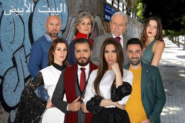 في الـ 2019 تمويه شجرة عيد الميلاد في مسلسل لبناني .. أمر غير مقبول