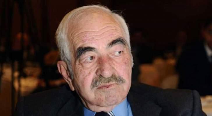 عبد الرحمن آل رشي تميّز برخامة صوته.. وتبرأ من إبنه الممثل
