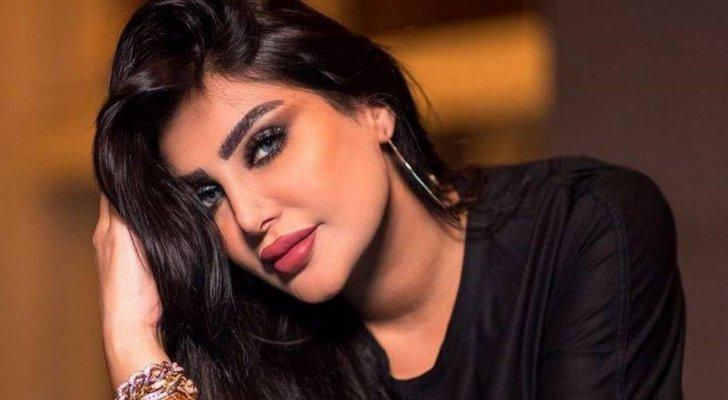 بعد إطلالتها الجريئة.. أمل العوضي تتعرض للانتقادات بسبب شكل شفتيها! - بالصورة