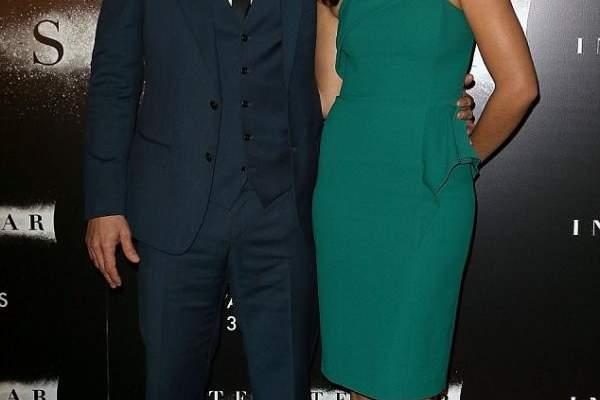 ماثيو ماكونهي يحضر برفقة زوجته العرض الأول لفيلمه