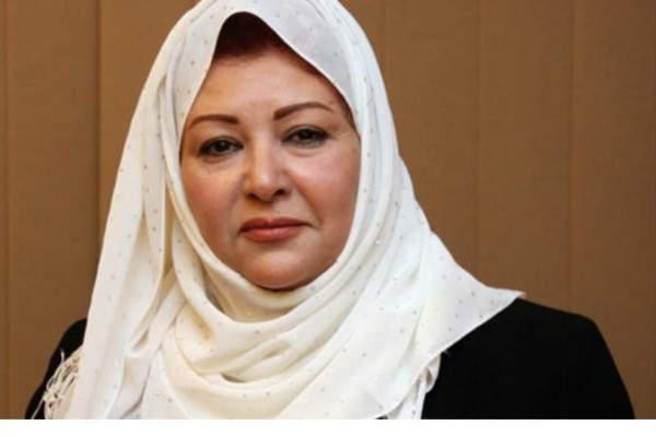 عفاف شعيب تنتقد هؤلاء الممثلات لنزعهن الحجاب