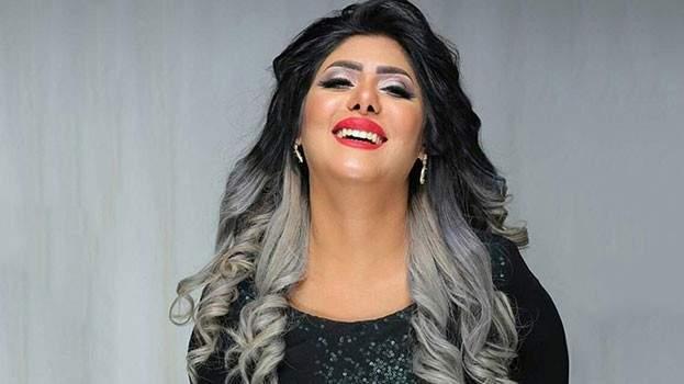 ملاك الكويتية تتشابك مع إحدى المعلمات في مدرسة إبنها..بالفيديو