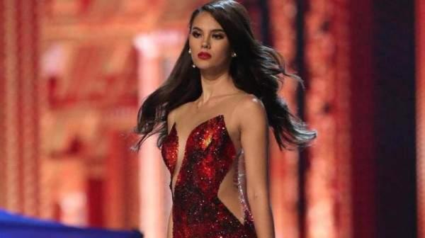 ملكة جمال الكون ثائرة بإطلالتها النارية