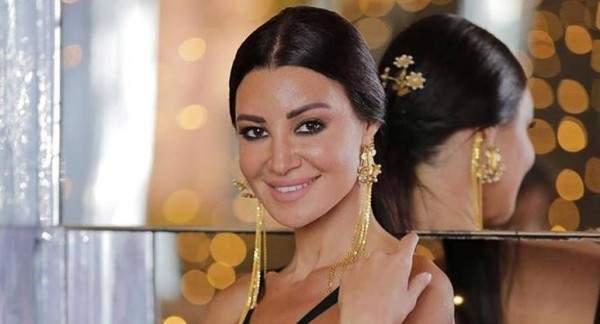 أروى جودة: بكيت بسبب أحمد عز.. ولا أحب مشاهدة نفسي على الشاشة