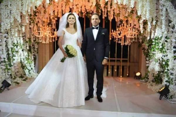 عادل إمام يحتفل مع عدد من النجوم بزفاف إبن شقيقته.. بالصور