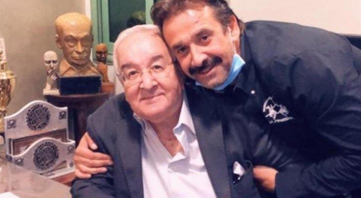 هذه حالة والد كريم عبد العزيز الصحية بعد إصابته بفيروس كورونا