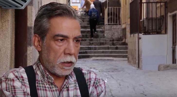 """أيمن رضا يثير الجدل بلون شاربه في كواليس """"الكندوش""""-بالصورة"""