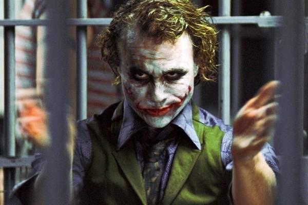 """سجن ممثلي فيلم """"جوكر"""" ..لم يُسمح لهم حتى بدخول الحمام!- بالفيديو"""