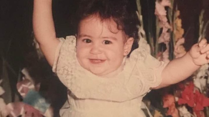 من هي هذه الطفلة التي أصبحت ممثلة شهرة ؟!
