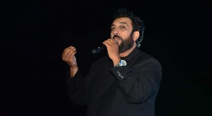 فنان مصري يطرح فيديو كليب أغنيته بعد منعه 19 عاماً بسبب مشاهد غير لائقة- بالفيديو