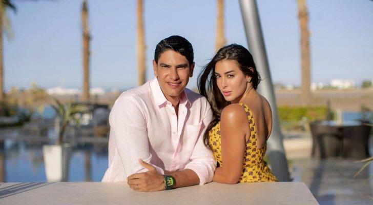 ياسمين صبري تخطف الأنظار بصورة مع زوجها