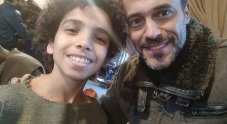 """حسن وائل يحصد جائزة أفضل فنان صاعد ويستعد للجزء الثاني من """"اللعبة""""-بالصور"""