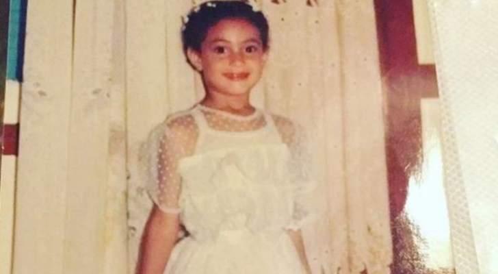 خمنوا من هي هذه الطفلة التي أصبحت اليوم ممثلة شهيرة- بالصورة