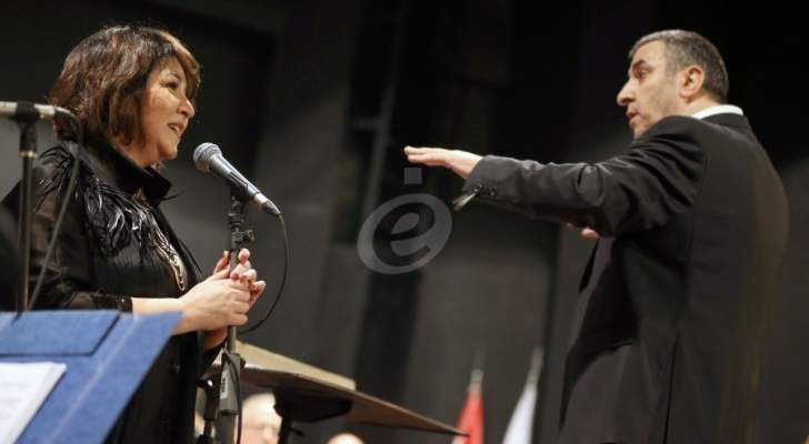 أميمة خليل تغني الحب وفيروز مع الأوركسترا الموسيقية بقيادة عبد الله المصري