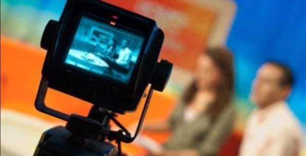 """بعد إنتشار فيديو فاضح لها..إعلامية سعودية : لست أنا أقسم بآيات الله""""- بالفيديو"""