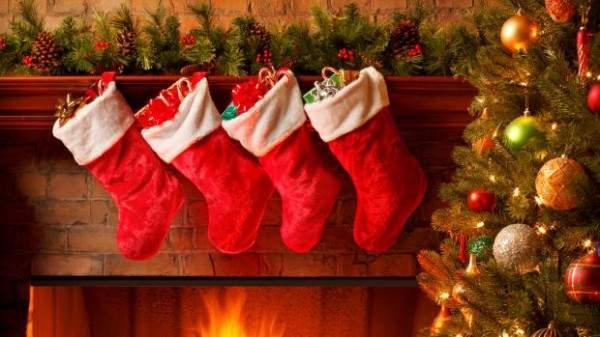 """ثلاث نصائح للابتعاد عن إطلالة """"كليشيه"""" ليلة عيد الميلاد"""