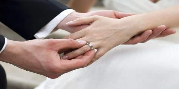 بالصور- ممثلة كويتية تتزوّج للمرة الخامسة.. بعد أشهر من طلاقها