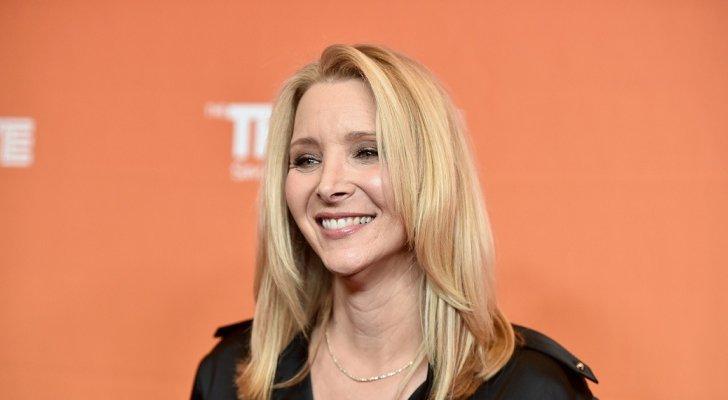 """ليزا كودرو.. عملية تجميل أنفها غيّرت حياتها وإبنها لم يشاهد مسلسلها الأشهر """"Friends"""""""