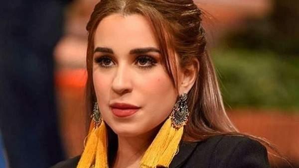 أسما شريف منير تثير الجدل بسبب شفتيها-بالصورة