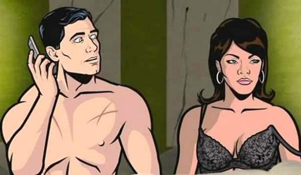 النجم يمارس الجنس مع عارضة الأزياء وهي تشتم زوجته