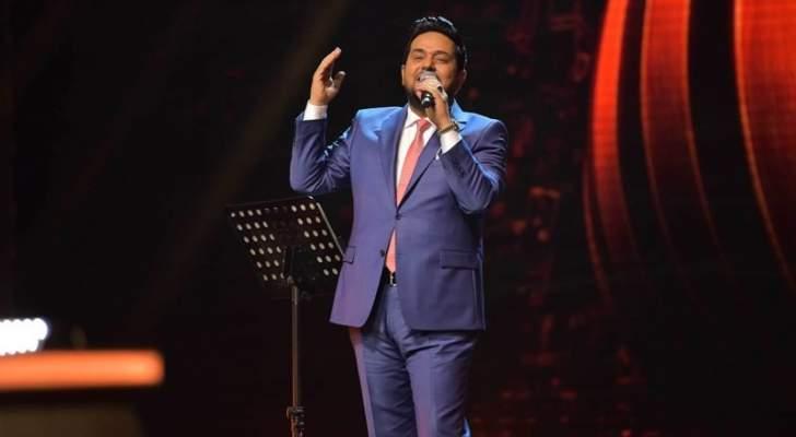 """حاتم العراقي يتألق غناءً على مسرح  """"فرسان القصيد جائزة الملك عبد العزيز للأدب الشعبي"""""""
