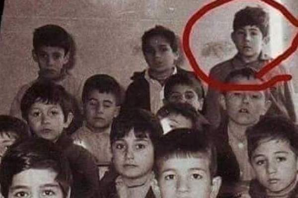 """خمنوا من هو هذا الممثل السوري نجم """"باب الحارة"""""""