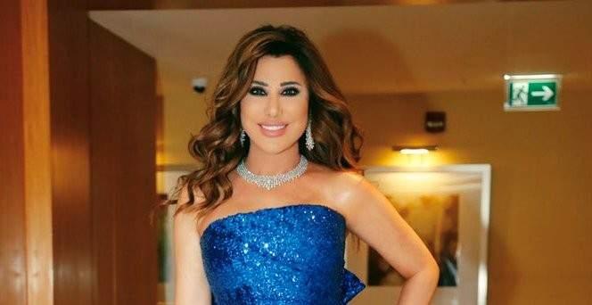 """نجوى كرم تتألّق حضوراً وغناءً في الإمارات.. وتقول :""""الذكي يللي بيوصّل وطنو"""""""