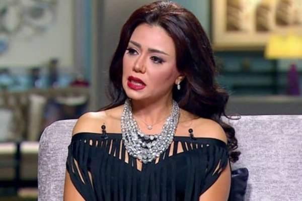 """إعلامية سعودية تهاجم رانيا يوسف :""""بأي حق تتكلم عن المرأة السعودية""""-بالفيديو"""