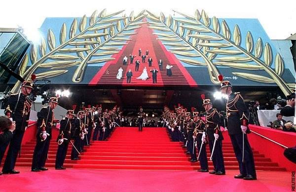 حضور لافت لملكات الجمال في مهرجان كان السينمائي - بالصورة
