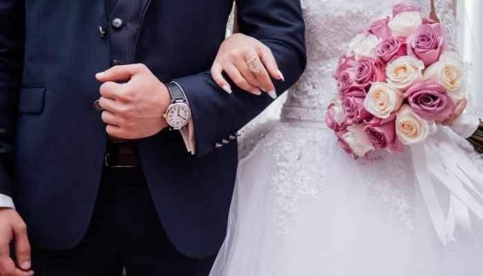 ممثلة شهيرة رفضت 165 عريساً.. ومعجب تزوجها من دون علمها!