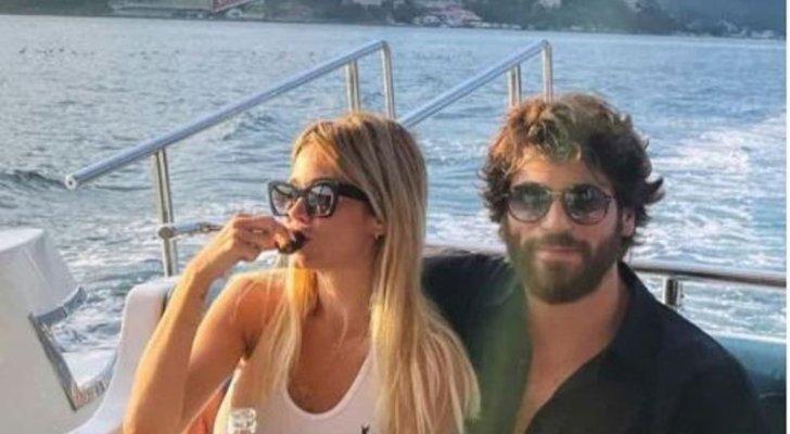 جان يامان برفقة حبيبته الإعلامية الإيطالية - بالصورة