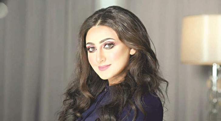"""هيفاء حسين ترد على متابع قال لها :""""متزوجة واحد قد ابوك""""-بالصورة"""
