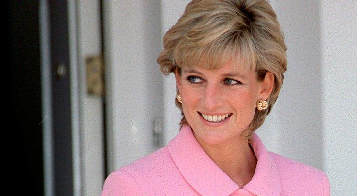 الطاهي الشخصي لـ الملكة إليزابيث يكشف أموراً صادمة عن الأميرة ديانا.. بالفيديو