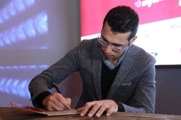 """عمر الرحباني يطلق """"Passport"""" ويفتح صفحة جديدة للموسيقى الرحبانية"""