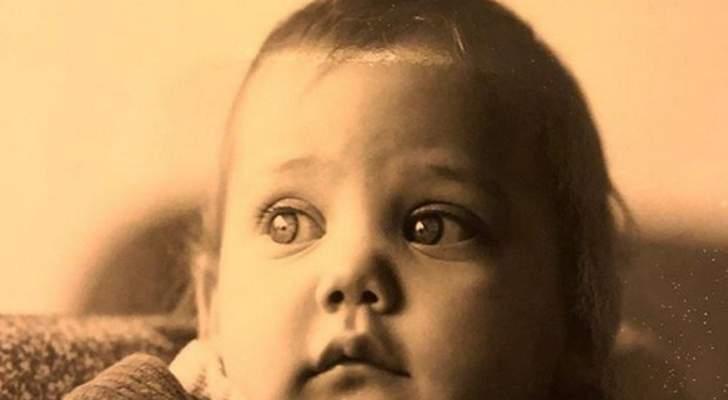 احزروا من هي هذه الطفلة الجميلة التي أصبحت اليوم ممثلة شهيرة في العالم العربي