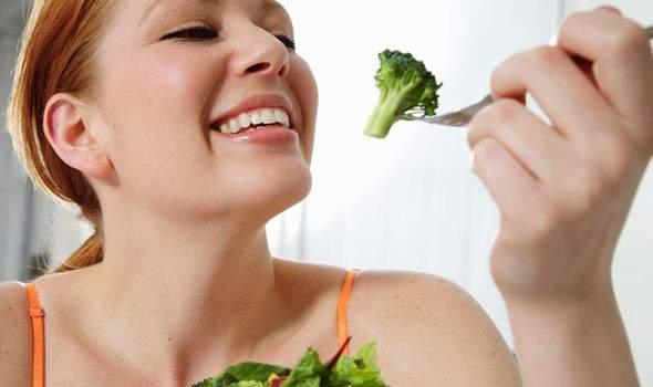 مأكولات مفيدة لصحة العينين
