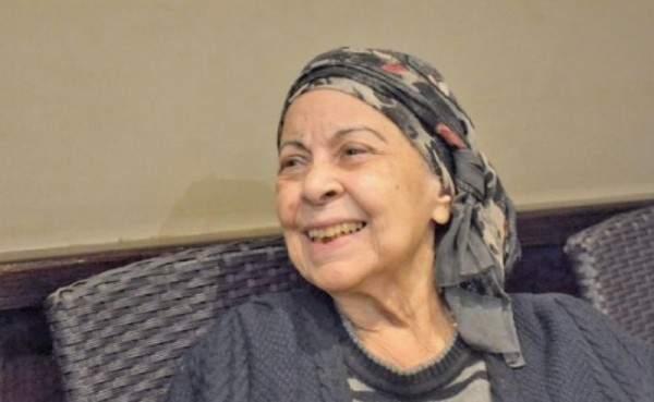 في أول مقابلة تلفزيونية لها بعد إنتكاستها الصحية..آمال فريد تصدم الجميع وتتحدى مرضها-بالفيديو