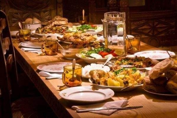 أطباق لتحضيرها بسهولة على مائدة رمضان