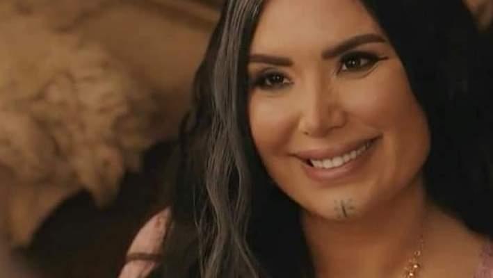 عبير صبري تطلّ بالنقاب مع هذه الممثلة-بالفيديو