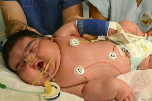 ولادة طفل عملاق يزن أكثر من 7 كيلوغرامات في نيوزيلندا