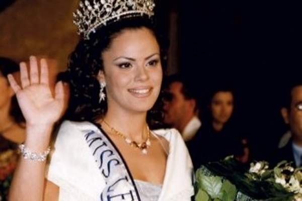 هكذا بدت ملكة جمال لبنان السابقة نورما نعوم بعد فترة من الغياب