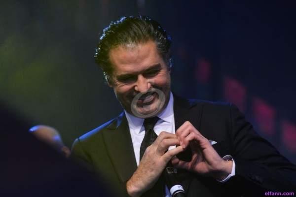 خاص بالصور- راغب علامة محاطاً بنجوم وإعلاميي مصر وإلهام شاهين تشاركه الغناء