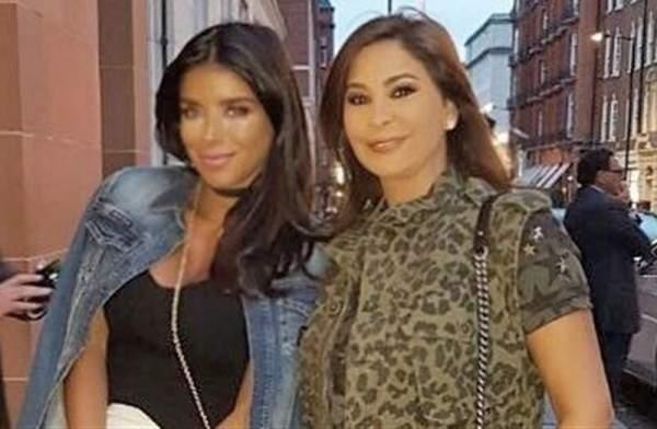 إليسا تستمتع بوقتها مع صديقتها دانييلا في لندن.. بالصورة