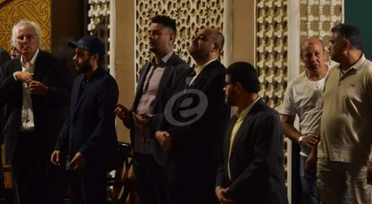 خاص بالصور- نجوم الفن والإعلام يقدمون العزاء بالممثل فاروق الفيشاوي