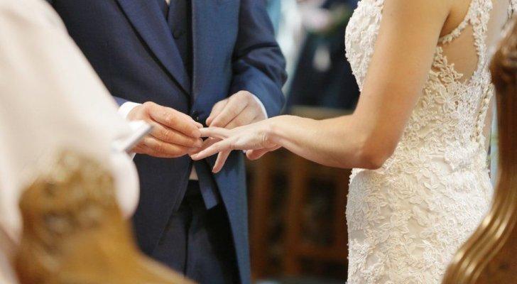 رغم إصابته بكورونا أصر على إقامة حفل زفافه.. وهذا ما حصل