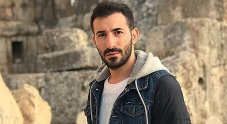 خاص الفن- ما حقيقة زواج الشاعر علي المولى؟