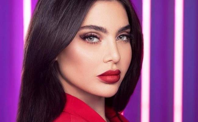 بالصورة- قمر بالهوت شورت مطلوبة الى الكويت.. وهل تتجه الى السعودية؟