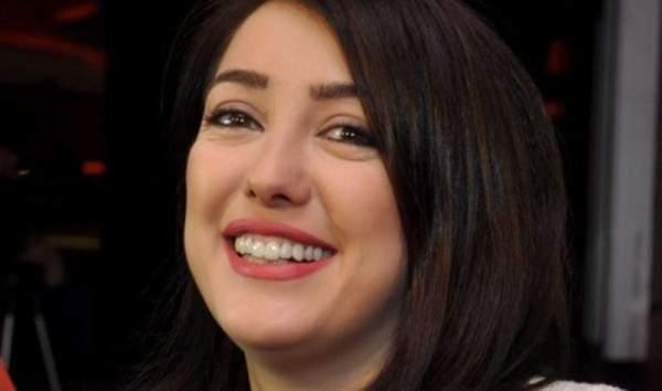 بالصورة- كندة علوش تنشر صورة مع والدها.. والجمهور يتفاعل