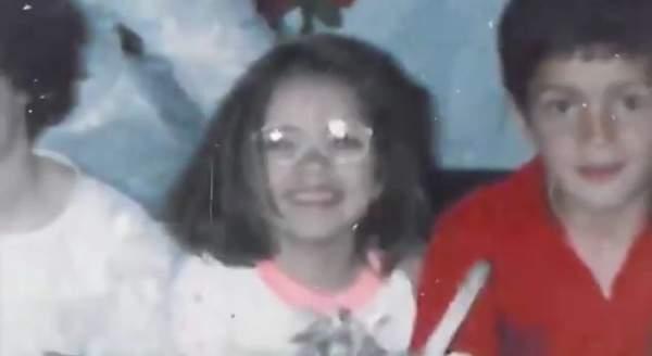 خمنوا من هذه الطفلة التي حلمت وحققت حلمها وأصبحت ممثلة مشهورة؟