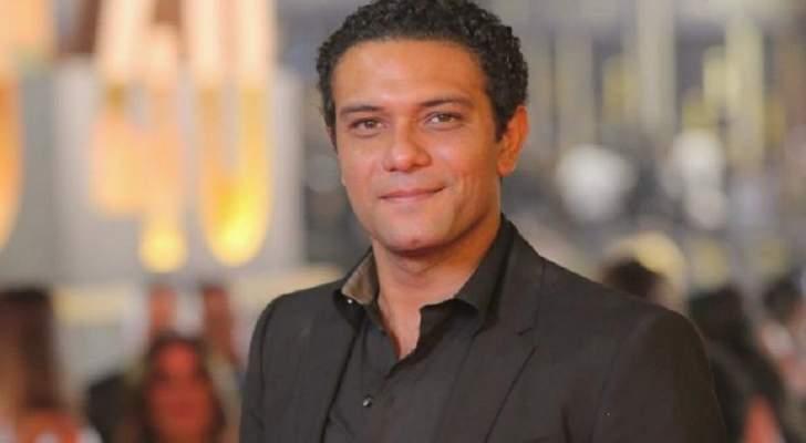 """آسر ياسين ينشر فيديو مهرجان """"مليونير"""" من كواليس مسلسل بـ""""100 وش"""""""